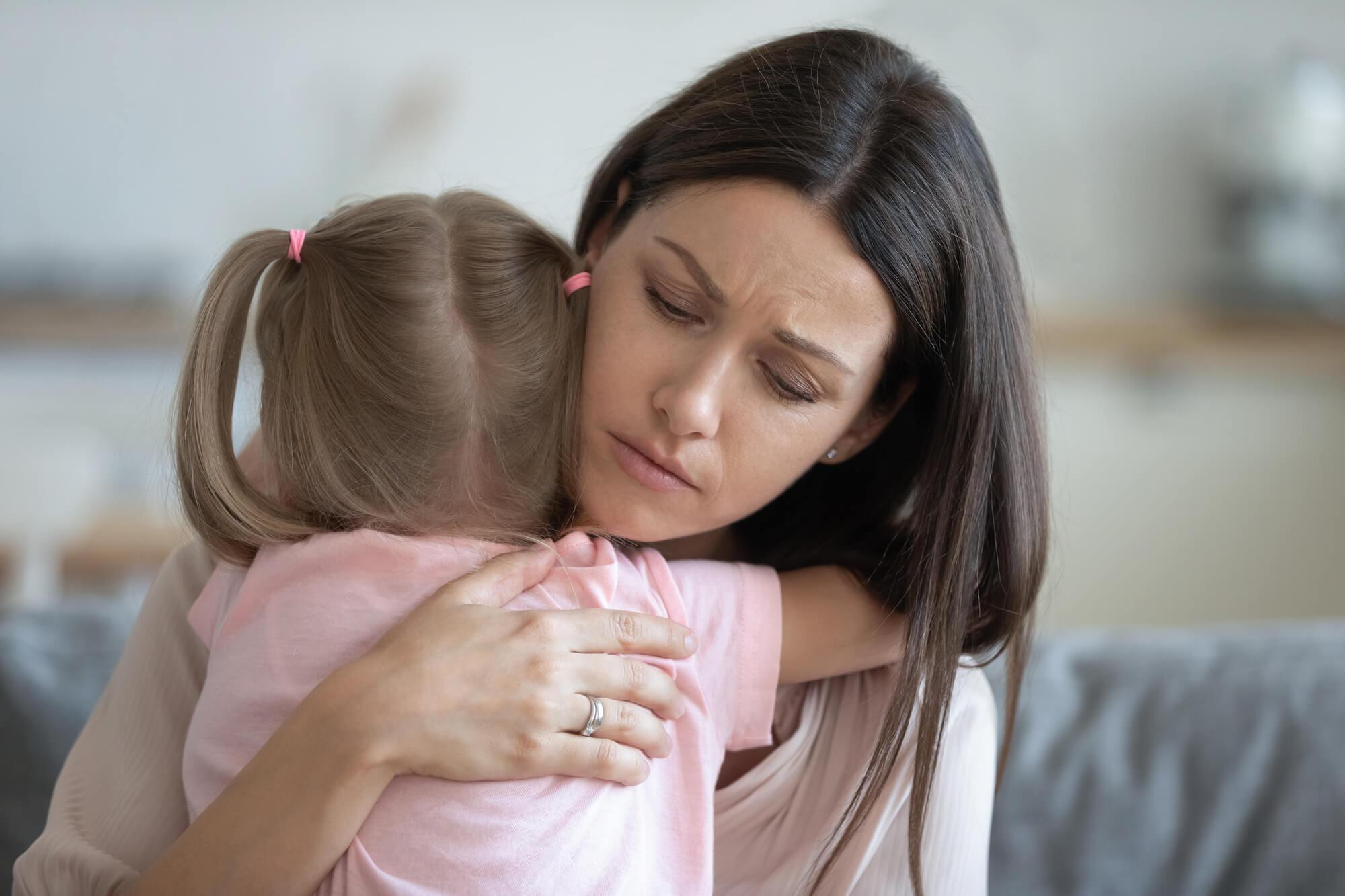 Du bist genug. Friedvolles Elternsein heißt nicht, dass alles immer nur leicht und friedlich ist.